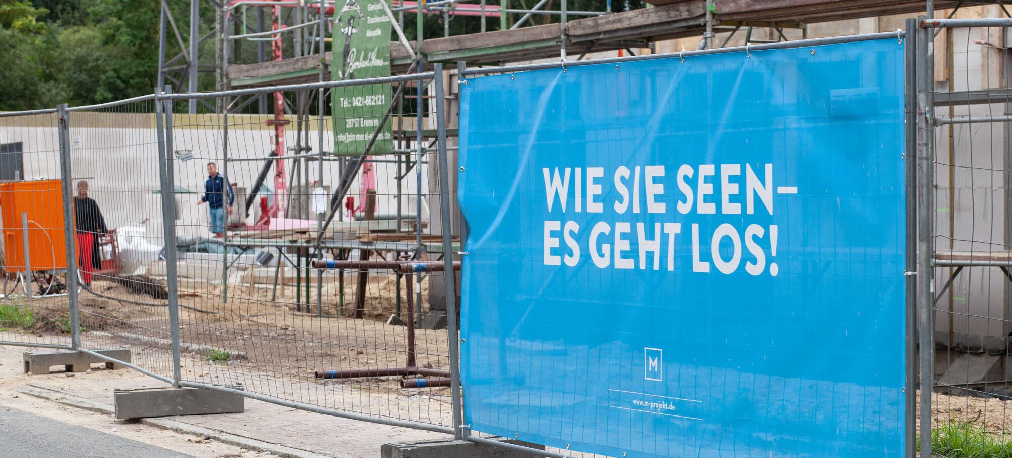 Bauleiterin auf der Baustelle Seeland in Bremen-Aumund